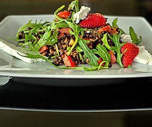 Linsen-Erdbeer-Salat